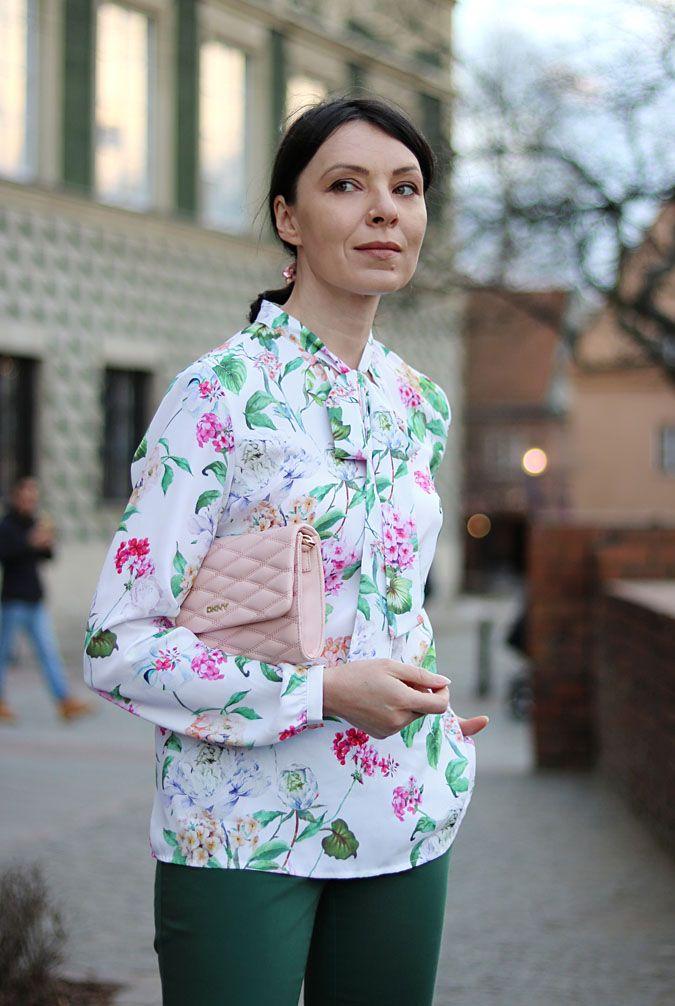 Bluzka W Kwiaty Stylizacje Fashion Women S Top Women