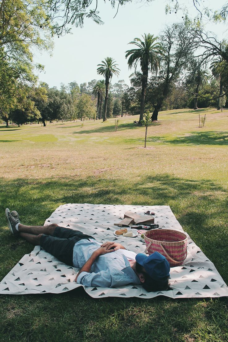 diy picnic blanket from Almost Makes Perfect.