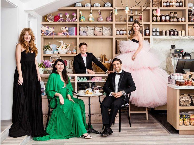 Au Fudge founders, Kimberly Muller, Estee Stanley, Jonathan Rollo, Joey Gonzalez, and Jessica Biel in the new space.