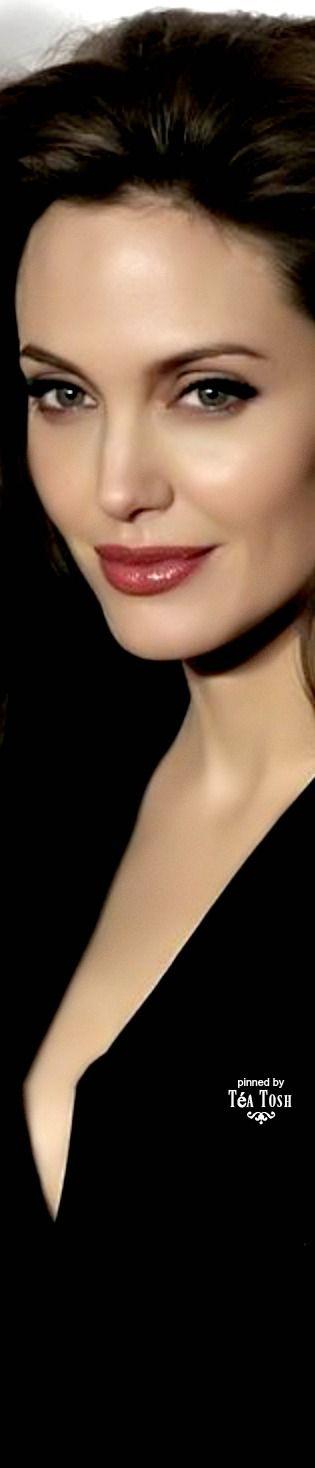 ❈Téa Tosh❈Angelina Jolie Pitt