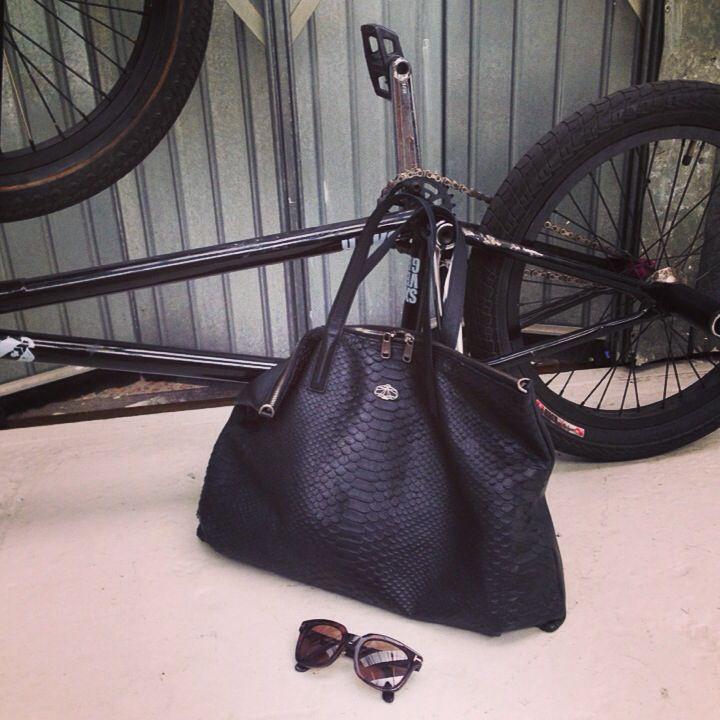 #street fashion #decke #duo bag #paris