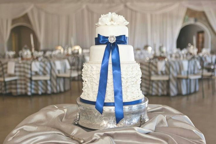 White and navy blue wedding cake by DeNice Cakes