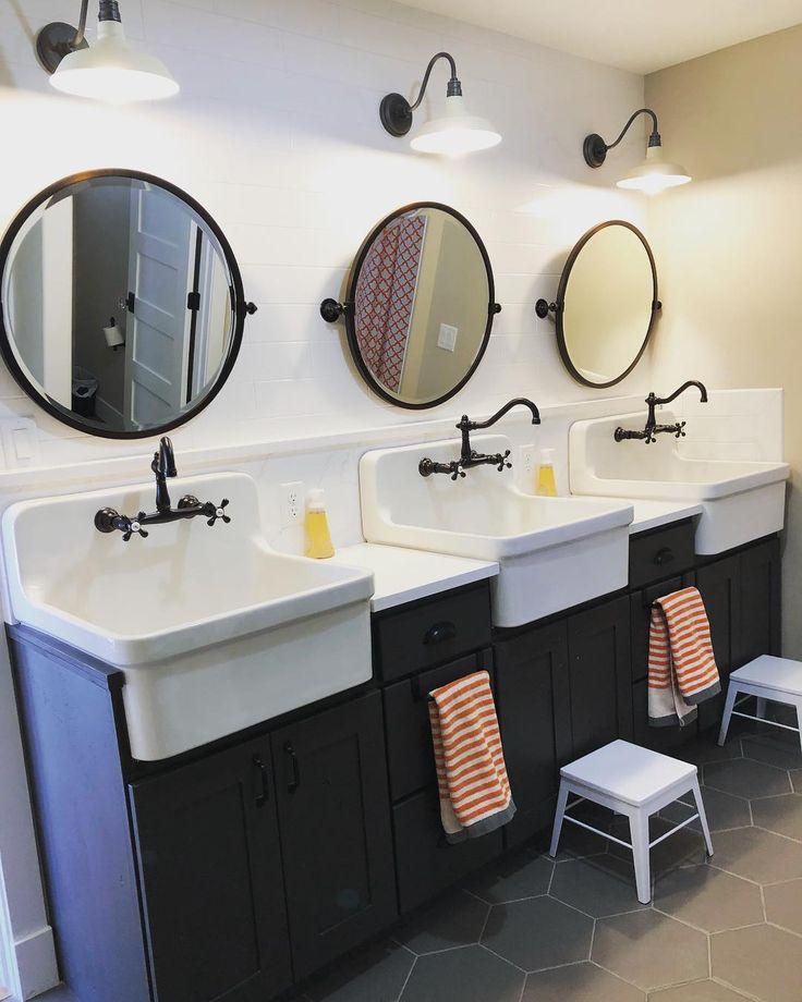Best 25+ Shower Stalls Ideas On Pinterest