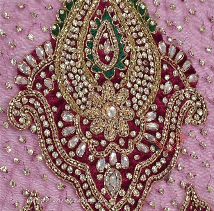 0039555_vintage-design-fabric-hand-beaded-tapestries-craft-patchwork-paisley-purple.jpeg 1000×988 pixels
