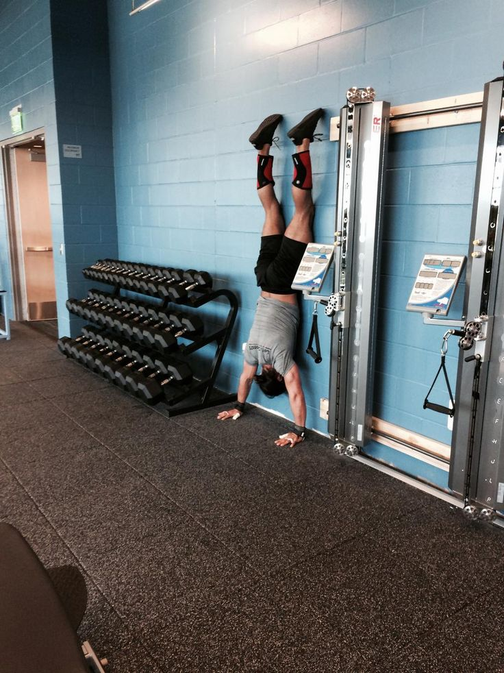 Seth Rollins (@WWERollins) is in Buffalo tonight for @WWE Live and stopped by IMPACT Sports Performance for a workout