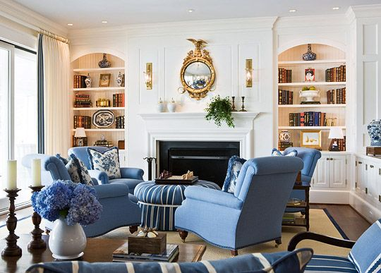 TraditionalFamily Room Design, White Living Rooms, Beach Cottages, Families Room Design, Livingroom, Blue Living Rooms, Bookcas, Family Rooms, Traditional Homes