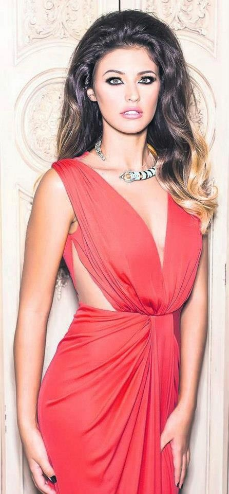 wow: Romanian Celebrity, Antonia Iacobescu, Romanian Girls, Cutout Dresses, Girls Romanian, Romanian Dreams, Romanian Beautiful, Antonia 3 3, Women Romanian