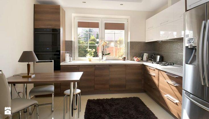 Dom w Słupnie po metamorfozie - REALIZACJA - Duża zamknięta kuchnia w kształcie litery l, styl nowoczesny - zdjęcie od Medyńscy Projektowanie