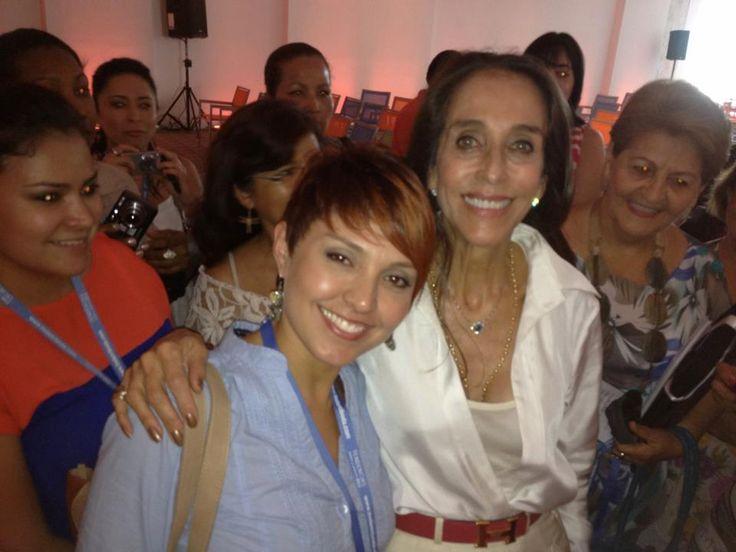 Pilar Castaño  Gestora, asesora y periodista de moda, presentadora y escritora.