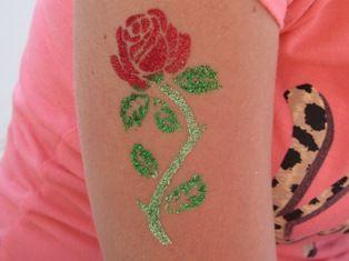Faketoos , super mooie roos