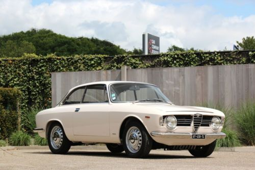 Alfa Romeo Giulia Sprint GT Veloce !! AS NEW !! à BE-9820 Merelbeke Belgique