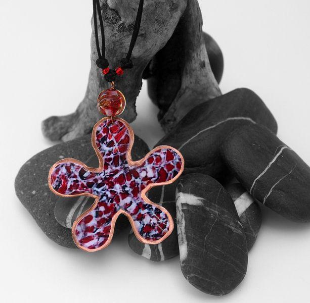 """Collana con ciondolo fiore """"arte da indossare"""" 168 di SilmieCreations su DaWanda.com"""