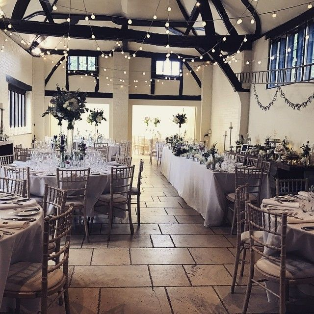 I always love to see how our Lavender B&Gs style their big day, and yesterday's wedding was no exception. Simply gorgeous ❤️  .  .  #lavenderdining #teamlavender #teamLD #weddingcaterers #weddingcatering #buckinghamshire #b&g