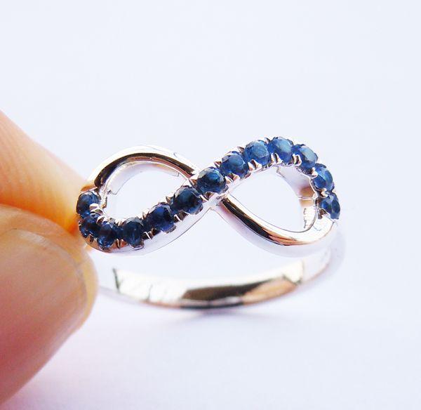 Бесконечность кольцо из серебра и глубокий синий CZ камень все размеры Engravable