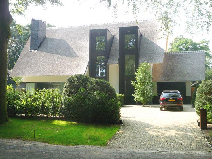 Maas Architecten » woonhuis apeldoorn // stucwerk modern villa riet