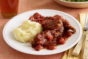 Côtes levées braisées aux tomates--------Ces côtes levées en sauce ne pourraient être plus faciles à préparer – vous n'avez qu'à les faire cuire à la mijoteuse jusqu'à ce qu'elles soient tendres!