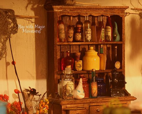 Miniature 1 inch scale Calluna the Friendly Witch, Miniature Cottage, by Play with Magic Miniatures