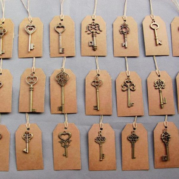 Stare klucze prezent dla gości weselnych