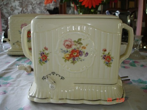Porcelier Vintage Toaster-My Grandma Momo had this Toaster (Marilyn Busby Horchem)