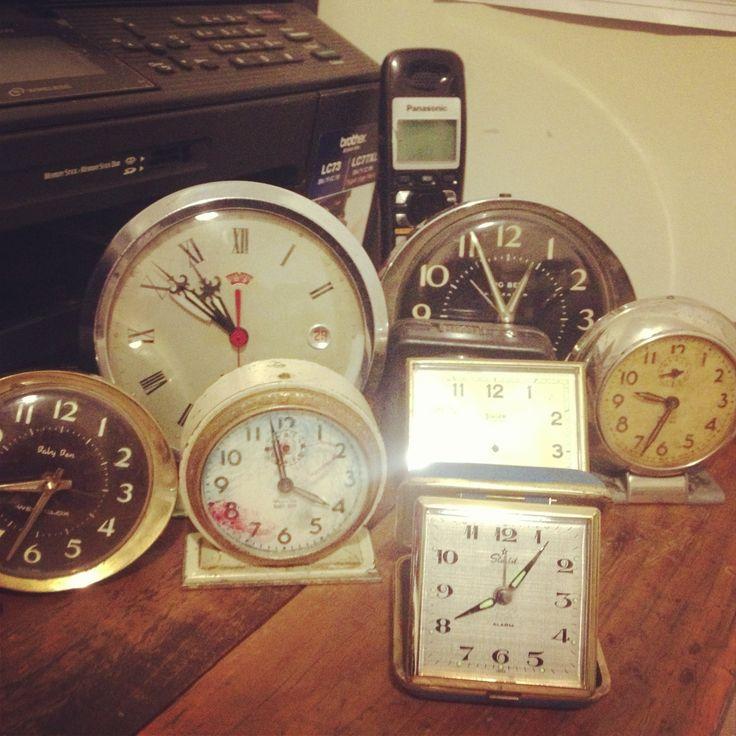 We have plenty of vintage clocks for hire