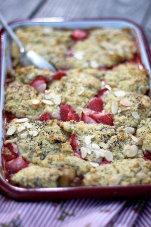 Rabarber och jordgubbscobbler