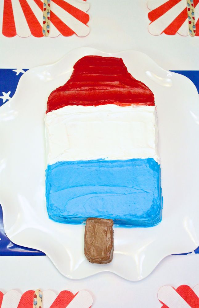 DIY Red, White, & Blue Giant Bomb Pop Piñata Cake & Giveaway! #AD ⋆ Brite and Bubbly