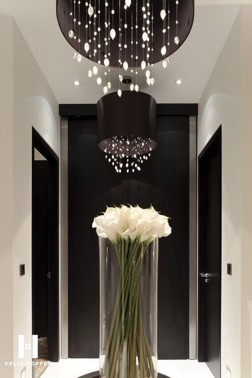 **Modern Decor ~ Flowers/Vase/Lights