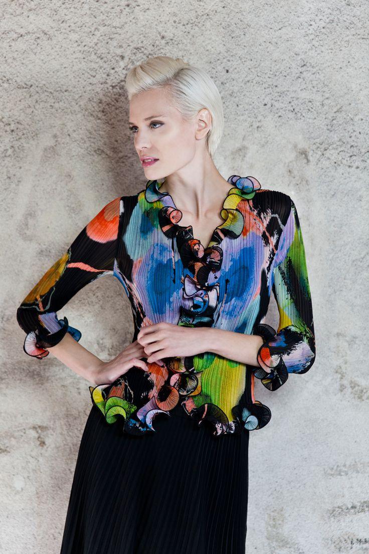 Classic Kriss-blouse. www.kriss.eu