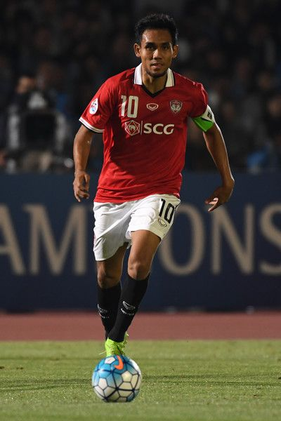 Teerasil Dangda of Muangthong United in action during the AFC Champions League Round of 16 match between Kawasaki Frontale and Muangthong United at Kashima Stadium on May 30, 2017 in Kashima, Japan.