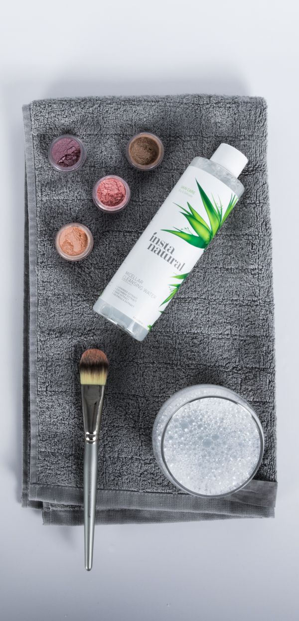 Remove makeup easily with InstaNatural Micellar Water. Helps to remove stubborn eye makeup and perfect your wing tip eyeliner.