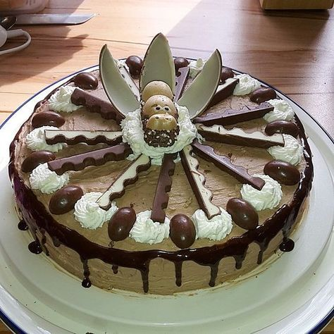 Überraschungsei - Torte lecker und leicht, ein leckeres Rezept aus der Kategorie Torten. Bewertungen: 86. Durchschnitt: Ø 4,5.