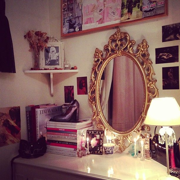 17 Best Ideas About Corner Vanity Table On Pinterest
