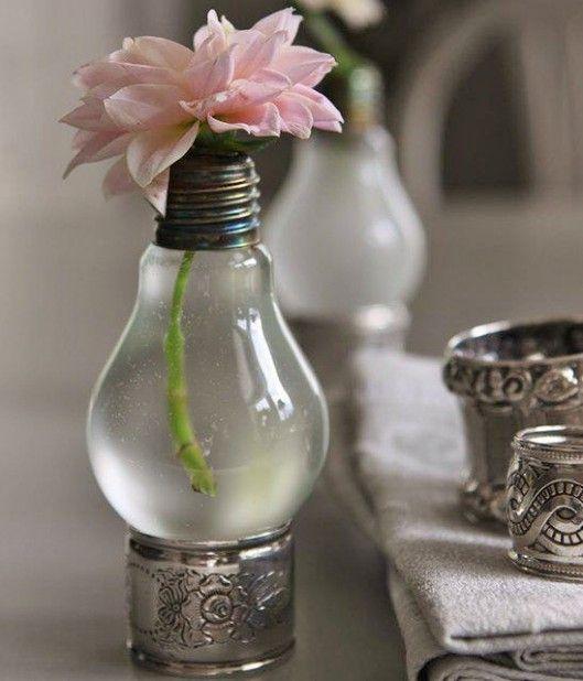 5 idee per il riciclo creativo. Come riutilizzare una lampadina fulminata