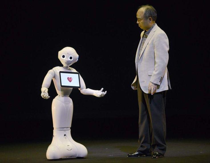 De nombre 'Pepper', se trata de un humanoide fabricado en serie capaz de comunicarse e interpretar emociones humanas. Será un empleado más del hotel Lopesan Baobab Resort de Gran Canaria.