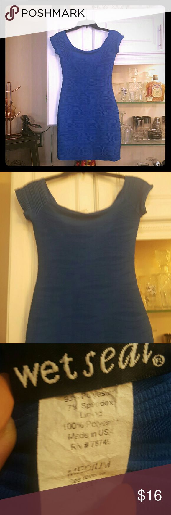 Blue wet seal bodycon dress Blue bodycon dress from wet seal. The sleeves can be worn on or off the shoulder. Great for fancy occasions or can be worn for a night out. Size M. Wet Seal Dresses Mini