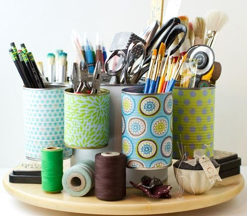 Tin can caddy--read through to find link to tutorial.  I need a few of these!  ...One for my sewing table, one for crafting tools, another for art supplies...
