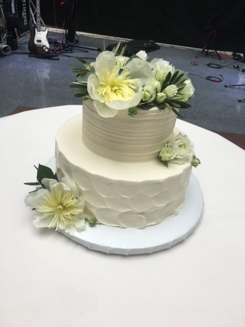 2 Tier Wedding Cake With Betty Crocker And Texture