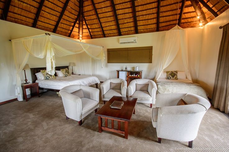 Inyati Game Lodge Sabi Sands South Africa Review ©thewholeworldisaplayground