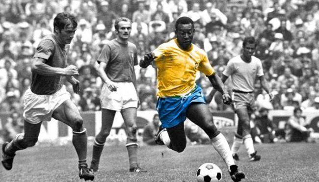 Pele, raja sepak bola asal Brasil dilahirkan