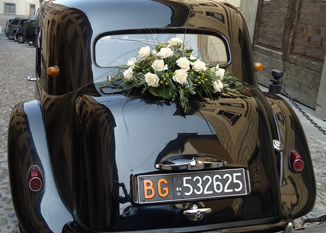 italian wedding  via roughluxeperspective.blogspot.com