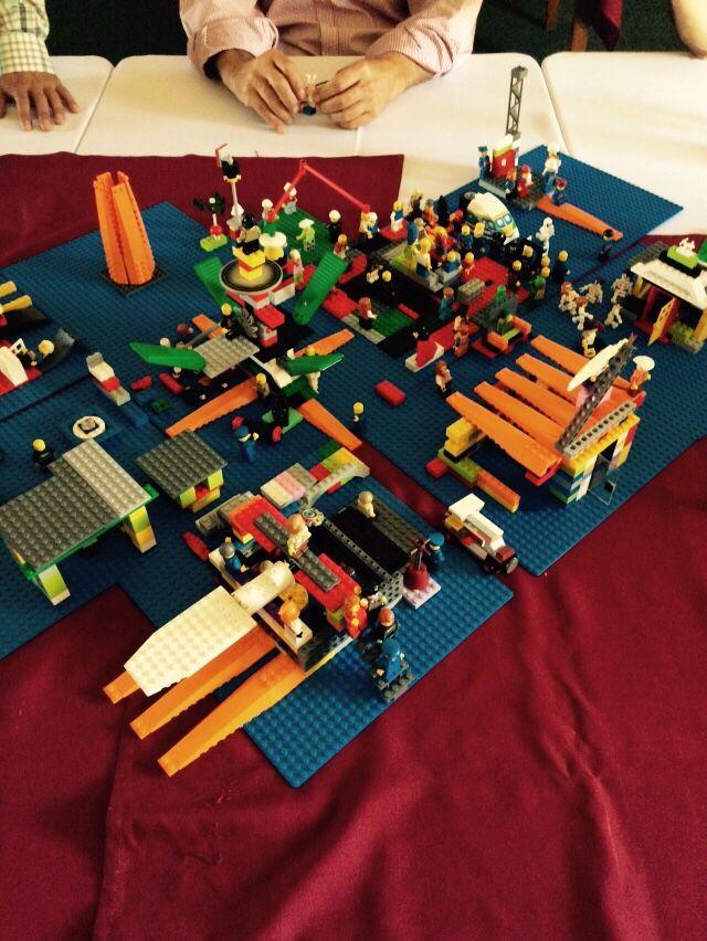 Jugando en serio con lego serious Play espacio empresarial Chile