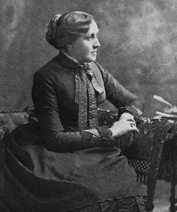 Louise May Alcott Da piccola era stata una bambina molto indisciplinata, tanto da convincersi di essere stata un cavallo, in una vita precedente. Il primo contatto col mondo dell'editoria avvenne durante un viaggio a Boston, quando un importante (quanto poco attento) editore le disse: «Non sai scrivere».
