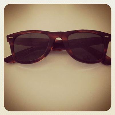Authentic vintage 80s B&L Ray Ban Wayfarer sunglasses