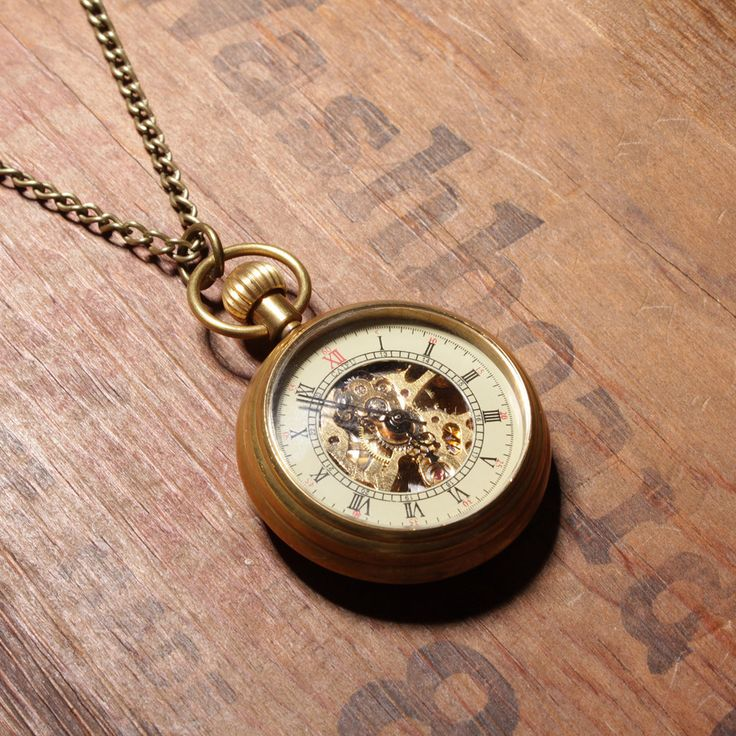 Vintage Pocket Watch Necklace. Looks cool!