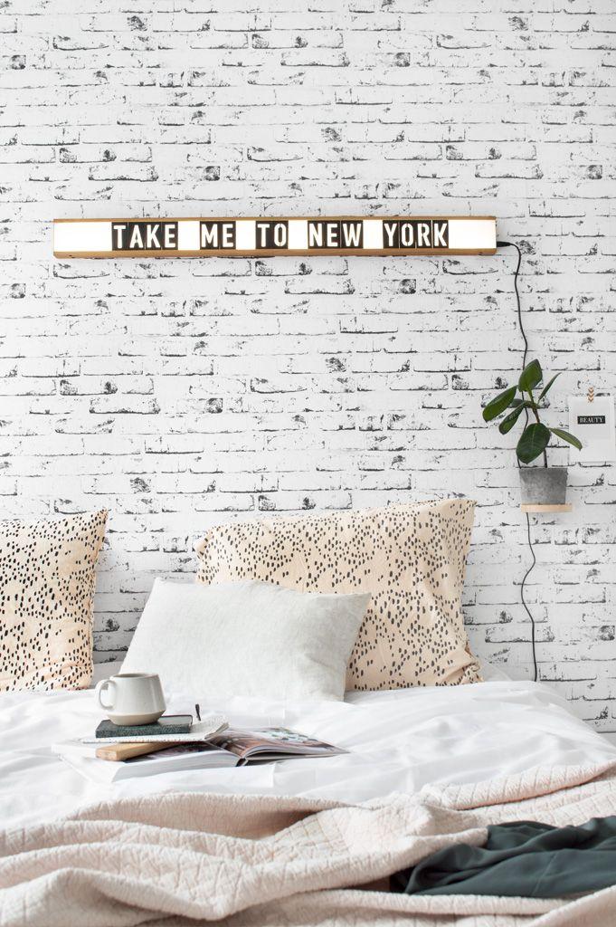 Bedroom crisp sheets -  lightbox - Tanja van Hoogdalem