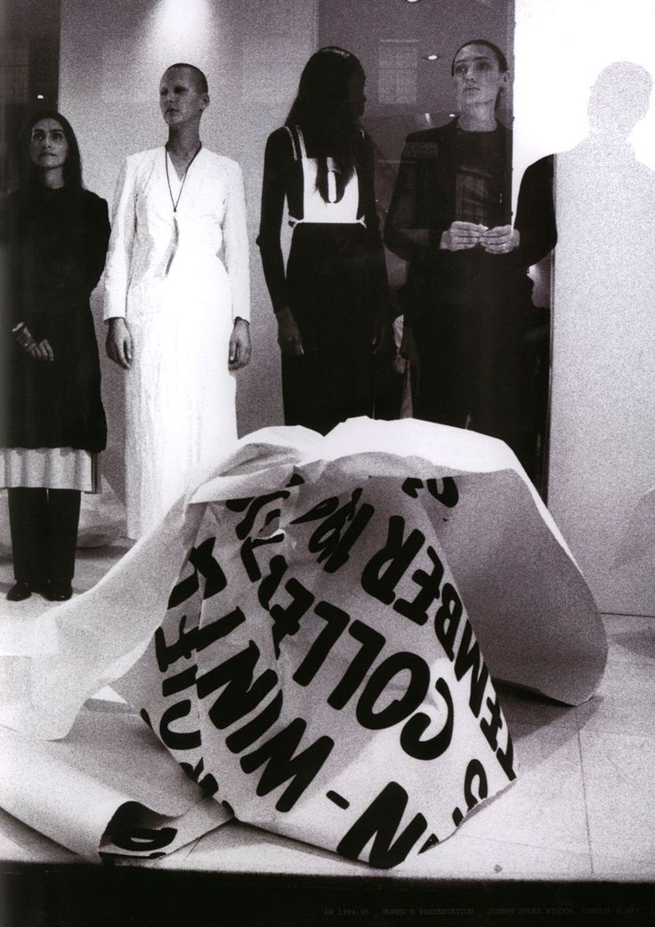A/W 1994. Women's presentation. Photography: Nick Tupin Collections were shown simultaneously in six cities (Paris, London, New York, Tokyo, Milan, and Bonn) when they were delivered to the stores, replacing the traditional Paris fashion show. Above: Joseph store window, London.  '94-'95