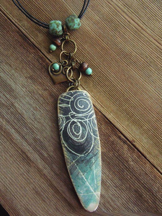 Collier pendentif en argile POLYMERE avec noir et turquoise Grunge éraflé Swirl Design