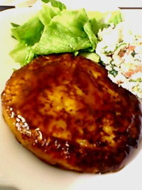 The meat does not use at all !! silk tofu hamburger