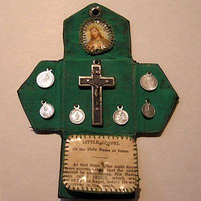 Vintage Catholic French Pocket Shrine -- would you make something like this?…