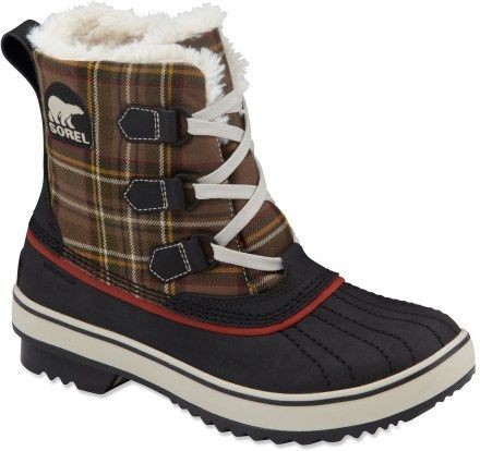 cute snow boots :) | Tres Chic! | Pinterest